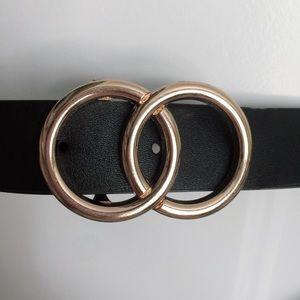 Accessories - •NWOT Gold Circle Belt•